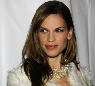 HILARY SWANK'S USES MIND CONTROL TO EASE SEVERE CLAUSTROPHOBIA(2)