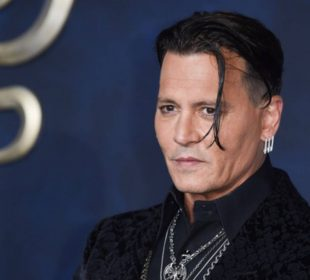 Johnny Depp asked to resign from 'Fantastic Beasts' films(1)
