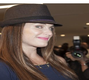 Brooke Shields reveals extensive injuries from fall in gym