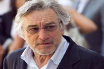 Robert De Niro forced to keep working at 77