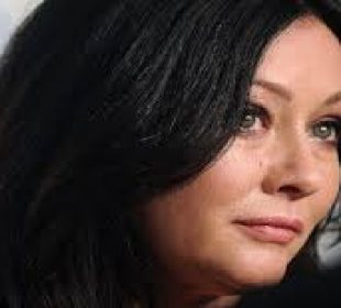 Shannen Doherty is not letting her stage 4 diagnosis get the best of her